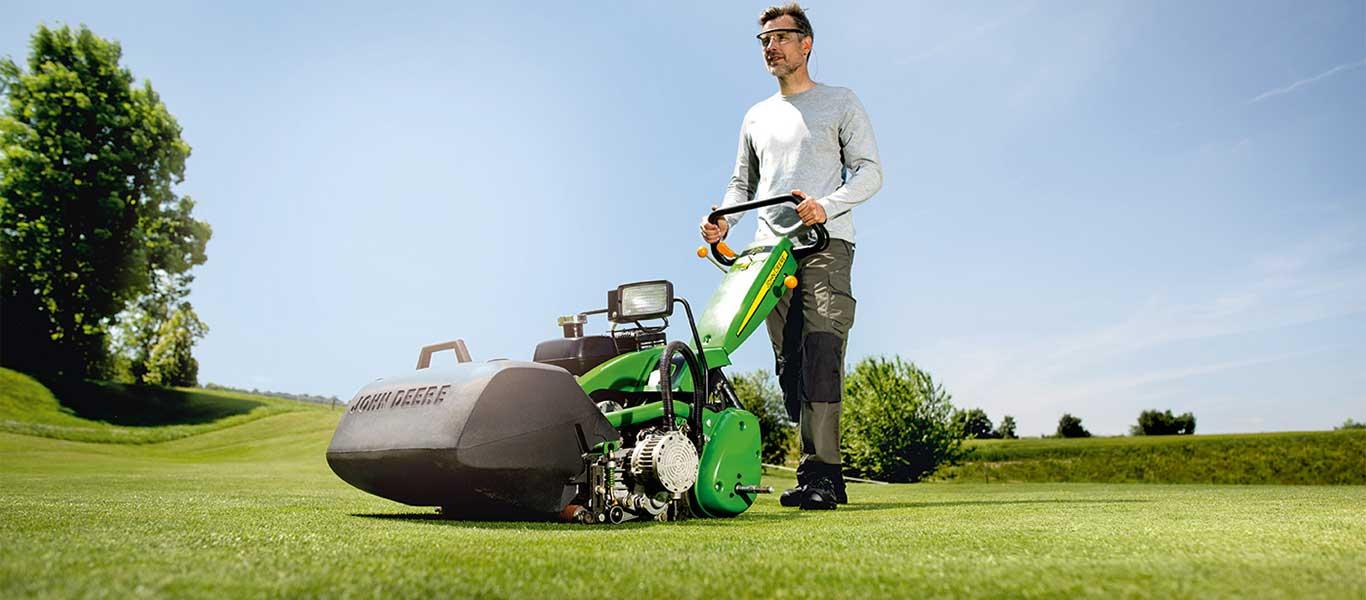 220, Golfbaan, Loop- en zitmaaiers voor greens, Golf en sport