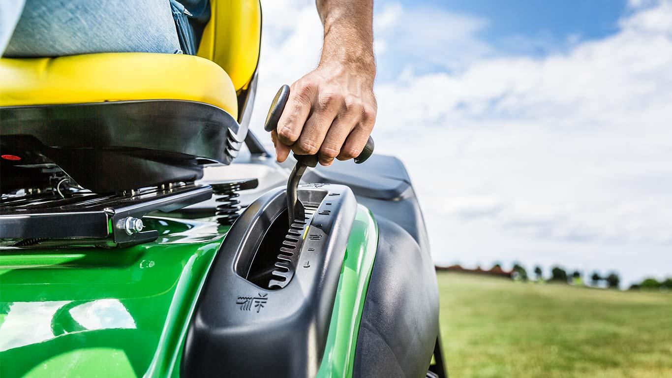 Lawn Tractor X146R Easy Controls